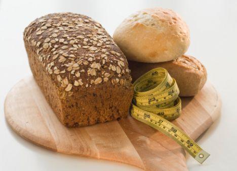 Kahvaltı:   1 dilim kepek ekmeği 3-4 zeytin 1 domates Şekersiz bitki çayı